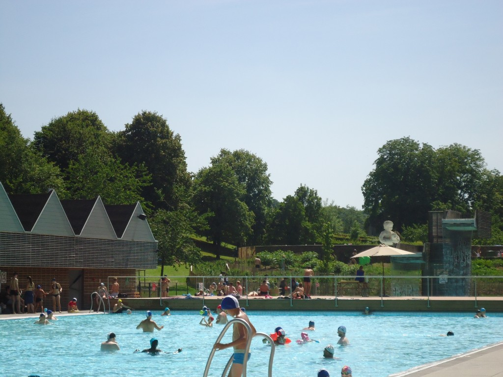 Autres services domaine de chevetogne for Chevetogne piscine